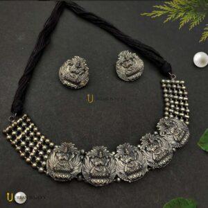 matte-finish-choker-jewellery-set