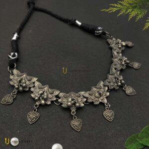 matte-finish-leaf-necklace