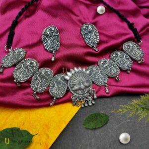 black-polish-peacock-choker-necklace-set