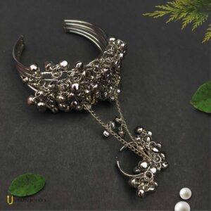 silver-oxidised-ghunghroo-bangle-with-ring