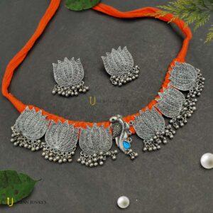 lotus-orange-black-polish-set
