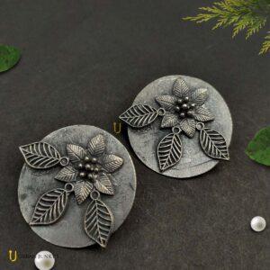 matte-finish-flower-earrings