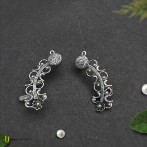 black-polish-curve-earrings