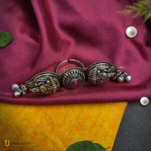 black-polish-stone-ring