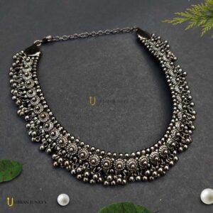 black-tone-choker-necklace