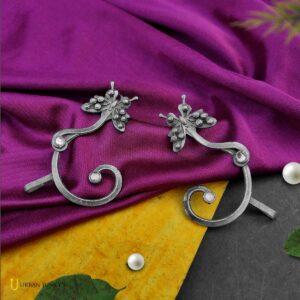 butterfly-earrings-black-polish