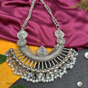 blackpolish-necklace-with-pearl