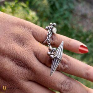 double-finger ring