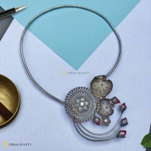 flower-bud-necklace