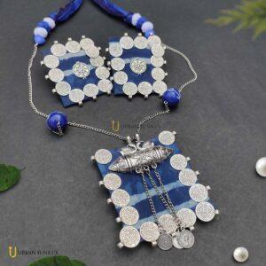 handmade-ginni-indigo-neckpiece