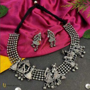 black-polish-barati-jewellery-set