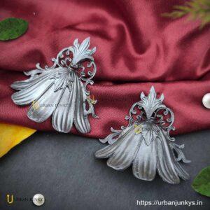 black-polish-hibiscus-earrings