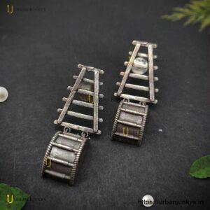 silver-lookalike-instrumental-earrings