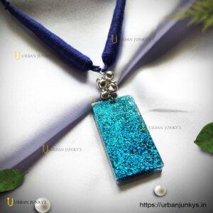 blue-sprinkle-neckpiece-resin
