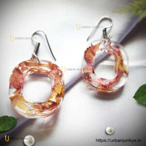 petal-resin-earrings